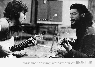 Che Guevera & John Lennon. A wonderful photo showing two famous figures of modem times, sharing a moment through music.