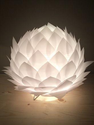 lampe de tableveilleuse fleur de lotus en papier calque la base est une boule - Lampe Sur Pied Fleur