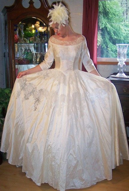 Cool old school wedding dresses Wedding dresses old school wedding dresses Wedding dress and cake Pinterest Wedding dress and Weddings