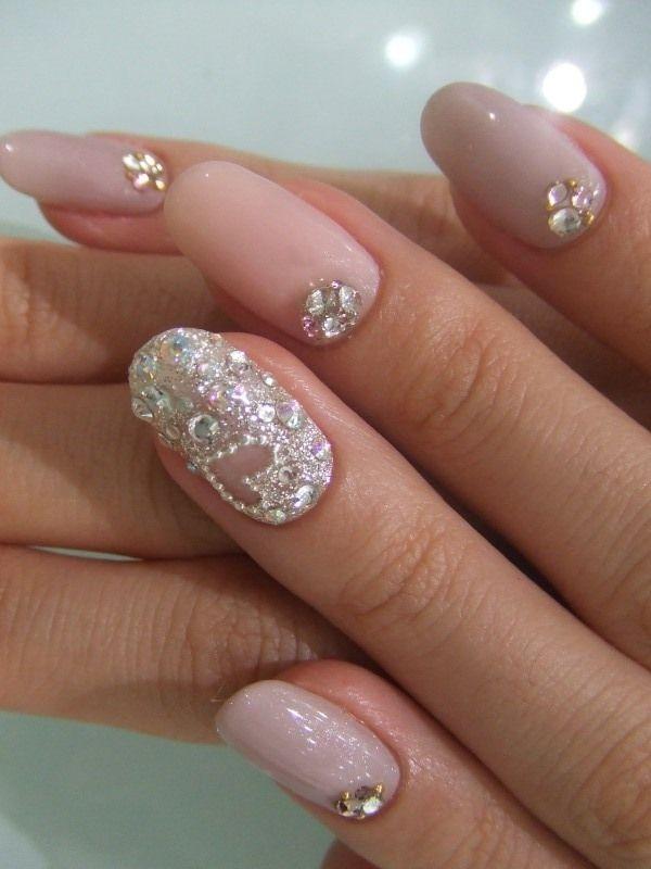 Nail art for weddings