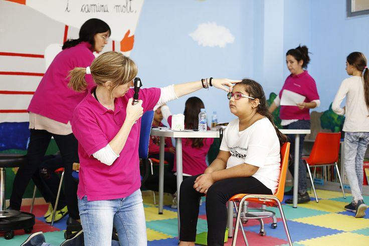 La Fundación IMO detecta un 40% de problemas visuales entre alumnos de Badalona, gracias a la colaboración de padres y maestros