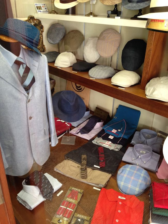 #borsalino #tesi #caps #hats #stores #shop #ravenna #italy #vintage #revival #unisex #elegant #classy #classic #preppy #travelfashion #objects #books #style #lifestyle #shopping #accessories #accessori #hatter #cappellaio #cappelleria #boutique #panama #rafia