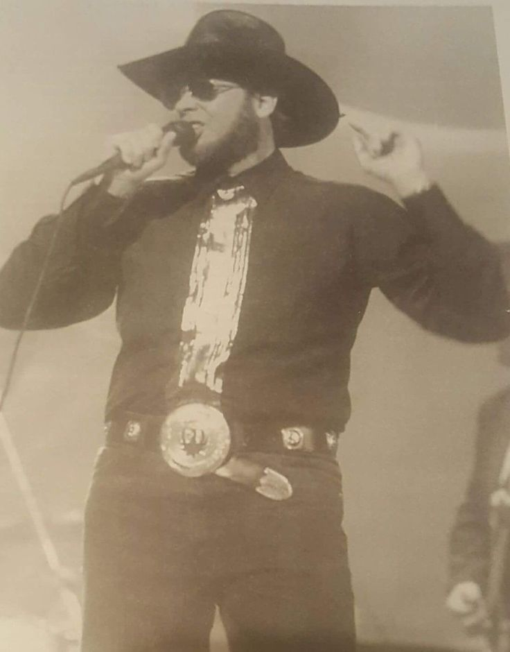 """Hank Jr performing at """"The 22nd Annual of Country Music Association"""" awards on October 23, 1988."""