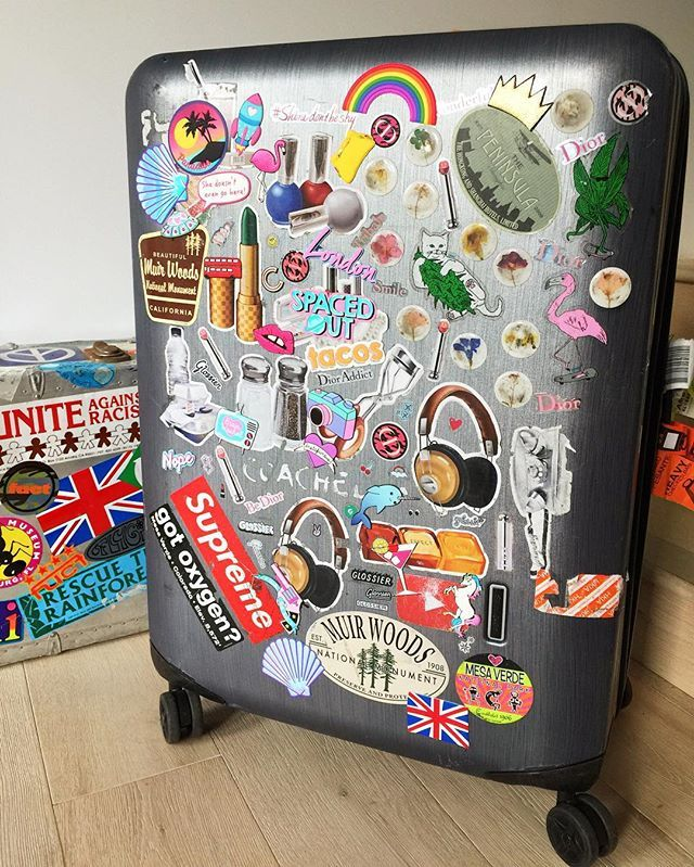 Pin for Later: 18 Trusty Travel Tips to Steal From Your Favourite Style Bloggers Customise Your Luggage Whether it's with stickers or a simple ribbon, give your suitcase a personal twist so that it's easy to spot at baggage claim.