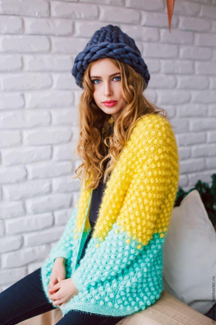 Купить или заказать яркий кардиган в интернет-магазине на Ярмарке Мастеров. Яркий кардиган лимонно-мятного цвета,в нем вы явно не останетесь незамеченной,кардиган легкий подойдет на осень/зима. Выполнен в единственном экземпляре.