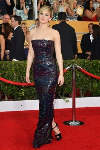Jennifer Lawrence in Dior Haute Couture http://fashionallovertheplace.blogspot.it/2014/01/20th-sag-awards-best-dressed.html