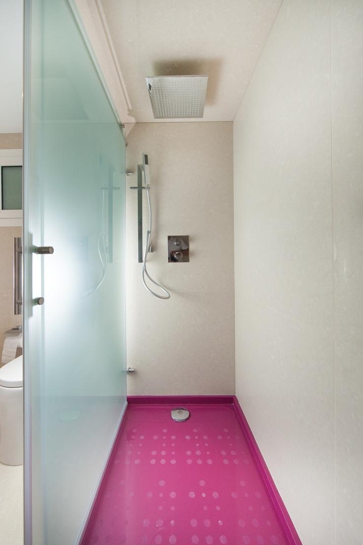 Plato de ducha bubbles de silestone color magenta energy - Platos de ducha de silestone ...