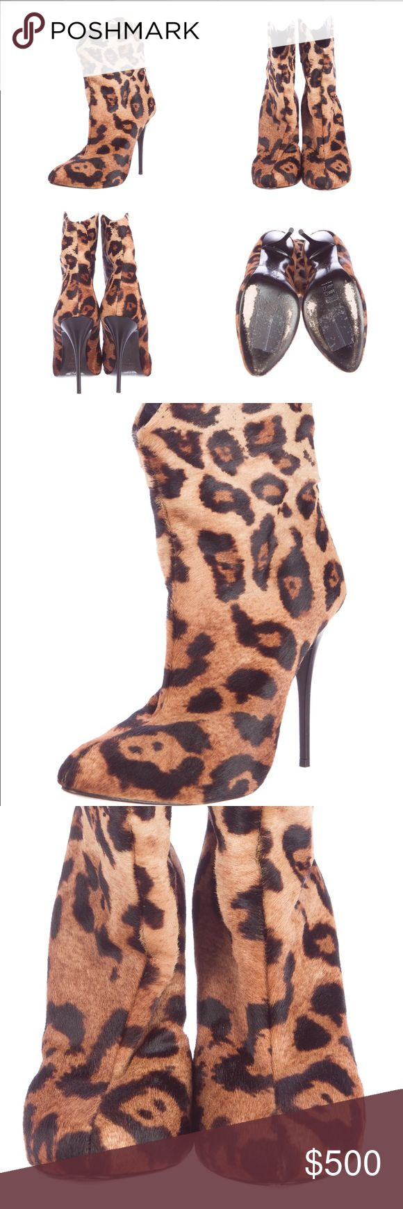 Giuseppe Zanotti boots animal print Tan and brown gradient ponyhair Giuseppe Zanotti ankle boots with leopard print throughout, pointed toes and resin heels. Giuseppe Zanotti Shoes Ankle Boots & Booties
