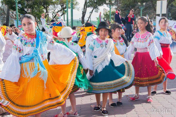 trajes tipicos de la sierra ecuatoriana - Buscar con Google