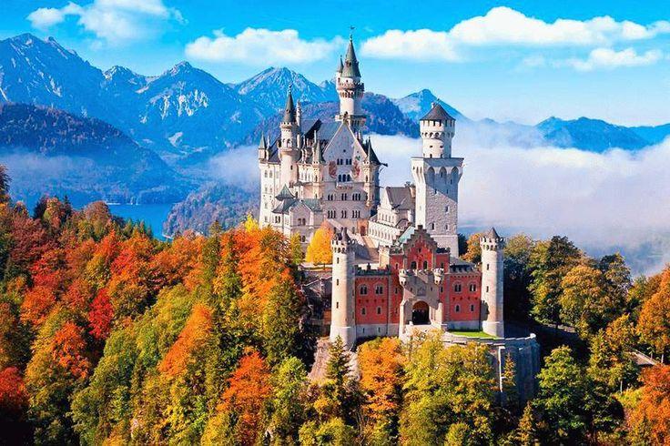 Сказочный замок Нойшванштайн – жемчужина альпийских склонов