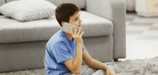 Should children be given mobile phones?