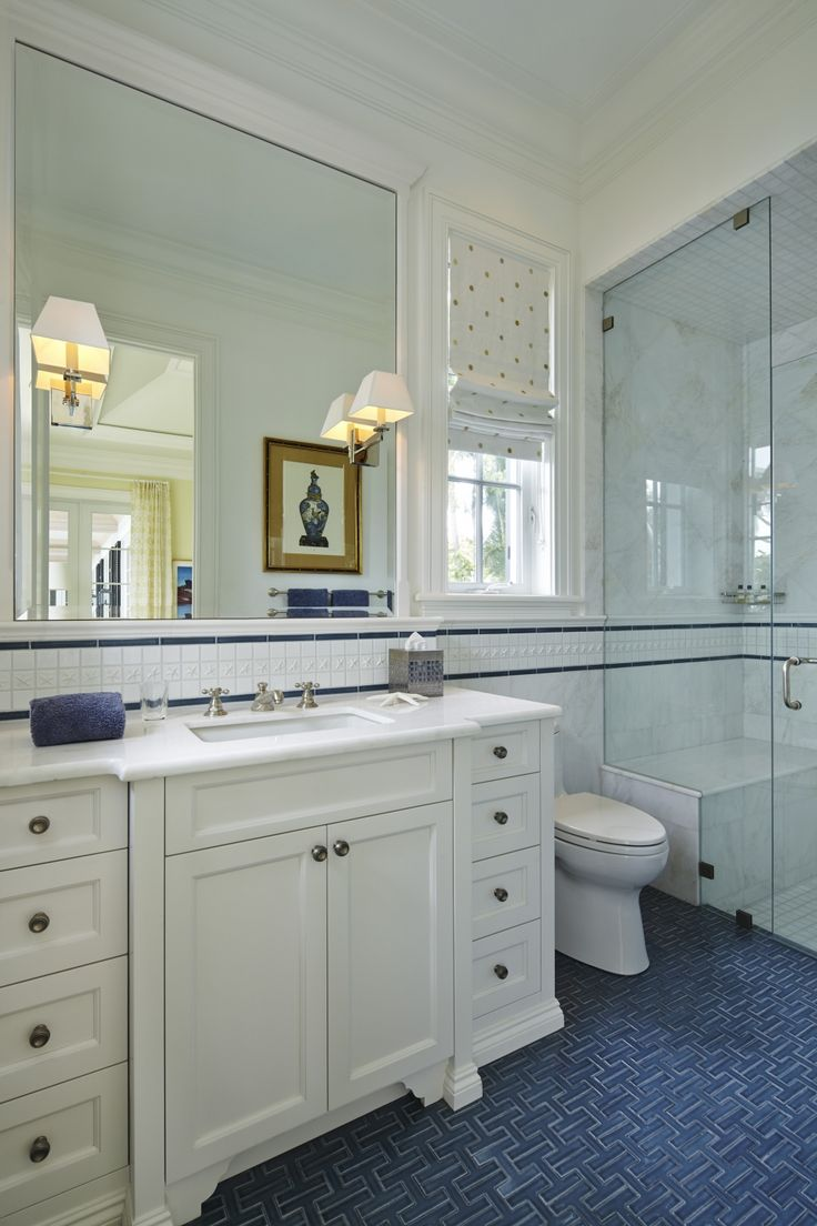 this nautical bathroom situated on the intercoastal features the chaine homme nautical ceramic debris series on - Bordre Bad Bilder