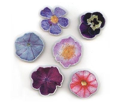 Broschen «Flowers M» by Unk Kraus