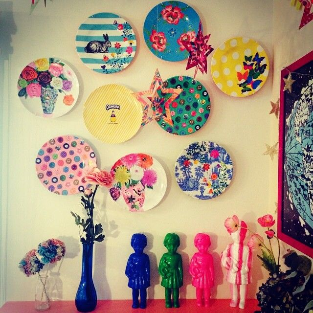 Pretty plates on the wall, Clonette dolls from Kitsch Kitchen