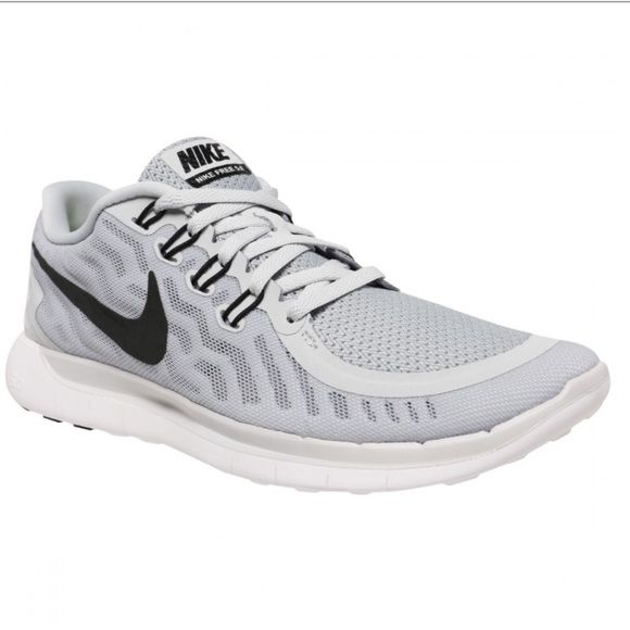 Nike Free 5.0 Women's Training Shoes Size 6.5 Nike Free lightweight shoe in light grey with black ticks in size 6.5. Lightly worn. Nike Shoes Athletic Shoes
