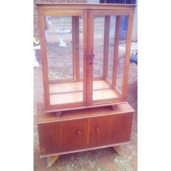 Vintage Display Cabinet in Solid Oak with Mirrored back. L 90cm x H 1.49m x W 35cm