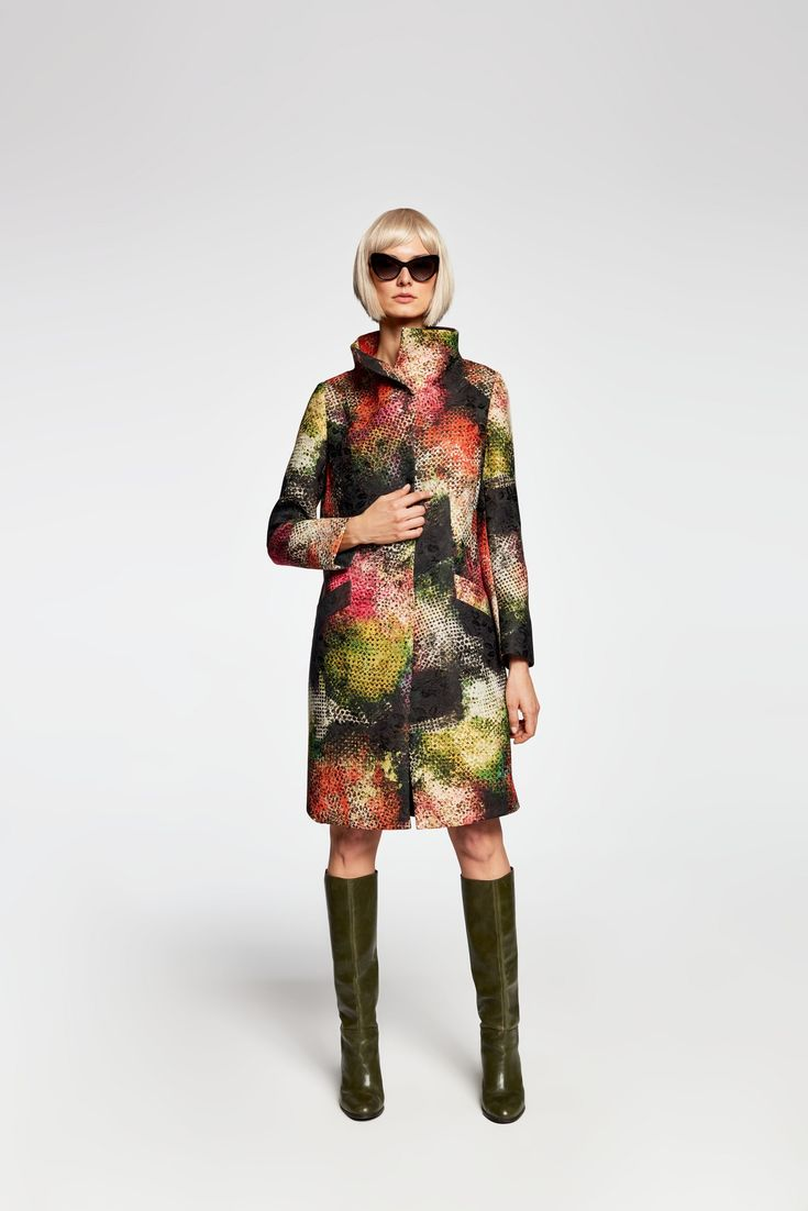 Z2018  Płaszcz z wysoką stójką