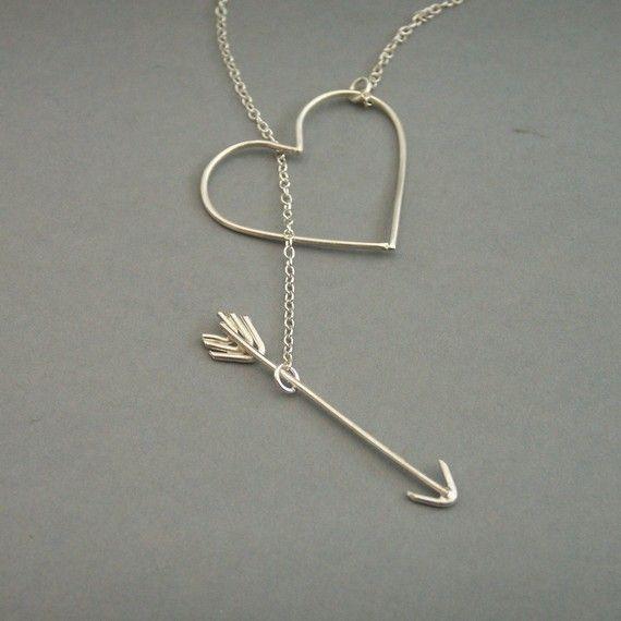 arrow through heart necklace. WANT.