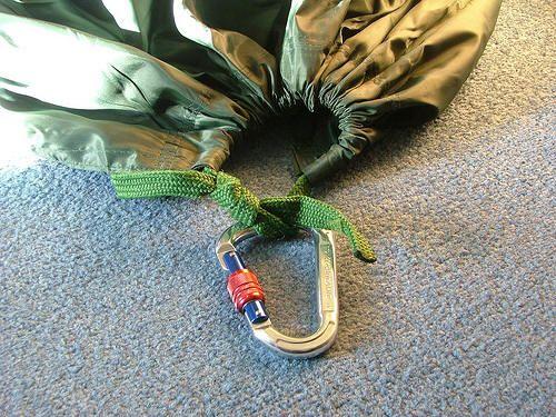 DD Hammock Karabiner MOD - Rain-proof your hammock! - Shelter - Natural Bushcraft - The True Spirit of Bushcraft