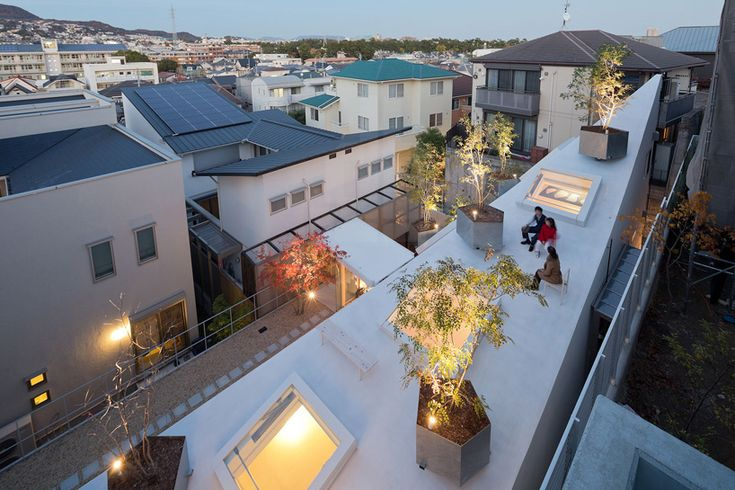 sou fujimoto: house K maximizes space with soaring roof