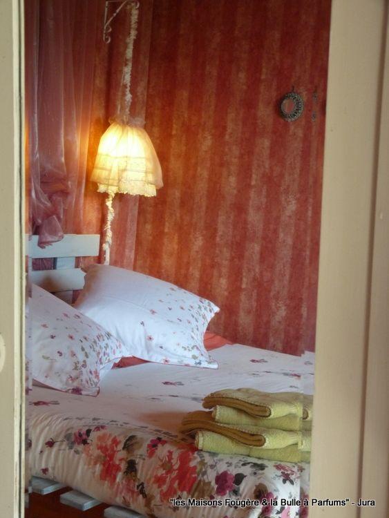 Chambre du0026#39;hu00f4te u0026quot;La Roseu0026quot; www.lesmaisonsfougere.com : Jura-Chambres et ...