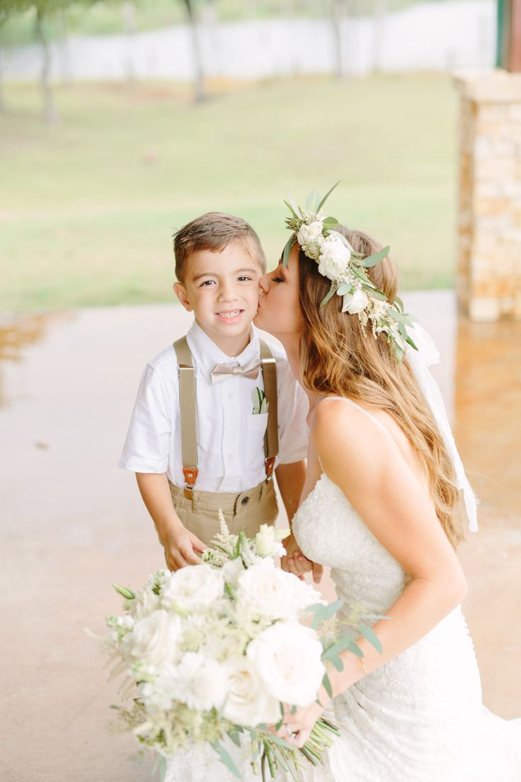 Flower Crown Bride, Bridal Photo – Megan Kay Photography, Dallas Wedding Photographer