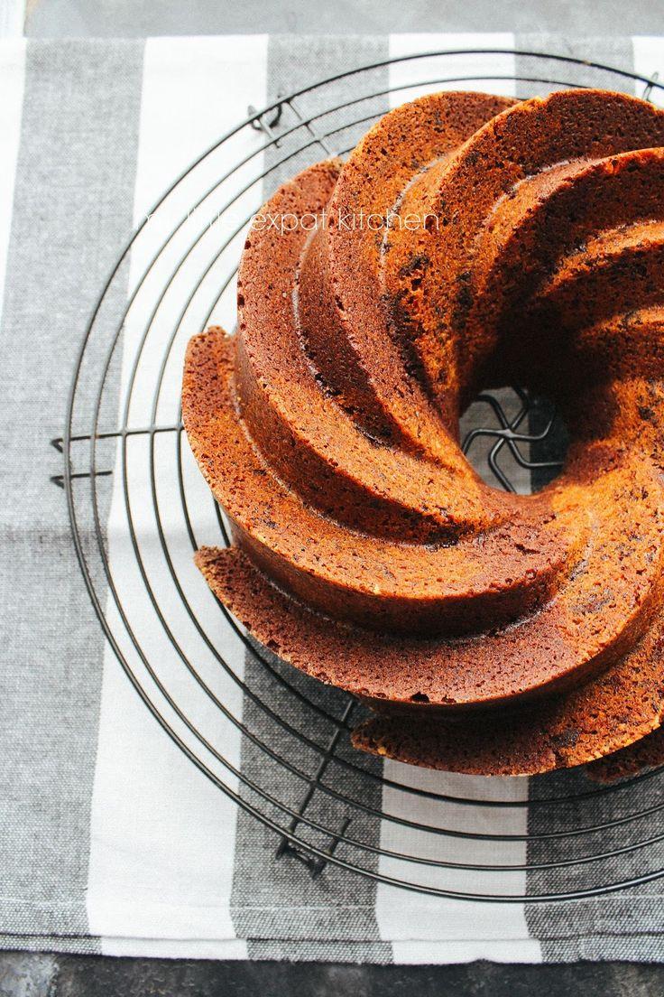 Λατρεύω τα κέικ φτιαγμένα σε φόρμα με τρύπα αλλά δεν είμαι σίγουρη γιατί. Ίσως οφείλεται στην παιδική μου ηλικία, όταν η μητέρα μου έφτιαχ...