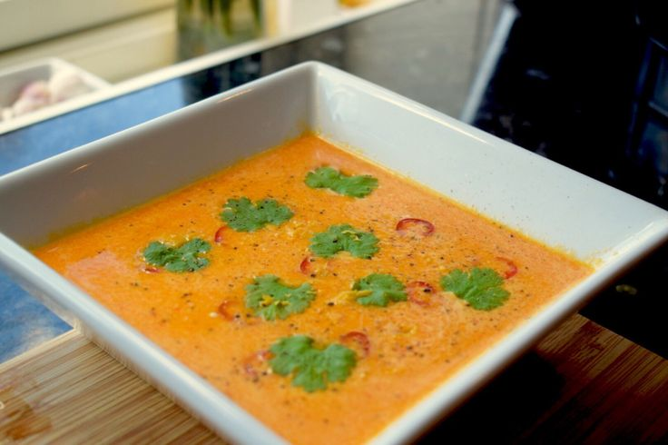 Spicy gulrot og ingefær suppe med kokosmelk – gladkokken