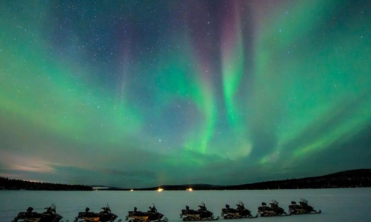 Northern lights on snowmobile & dinner | ICEHOTEL