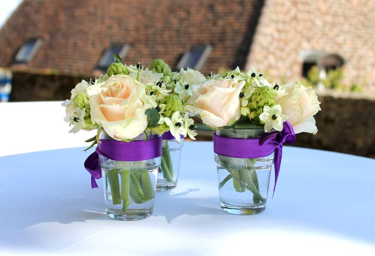 #pastel #rose #purple #small #bouquet #high #table