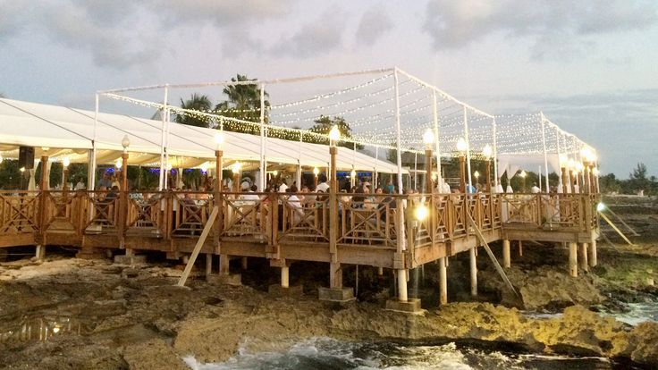 Classic Waterfront Fine Dining Restaurant in Grand Cayman. We Provide the Best Cayman Islands Wedding Venues with Award Winning Wine List