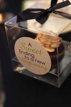 Cupcake Wedding Favors | Lovely events MTL- Cupcake wedding favor | Party Ideas - Set The Tabl ...