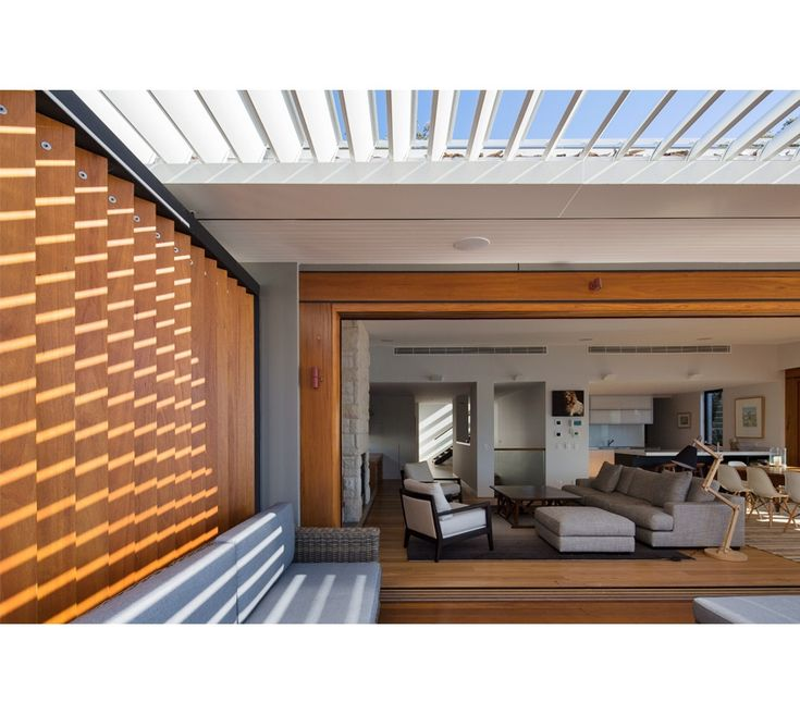 Avalon 01 - WATERSHED DESIGN Australian Hardwood timber screening and Vergola operable louvre roof