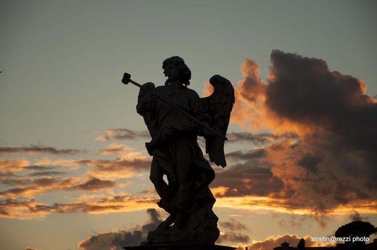 Silhouette angelo nel cielo di Roma - Castel Sant'Angelo