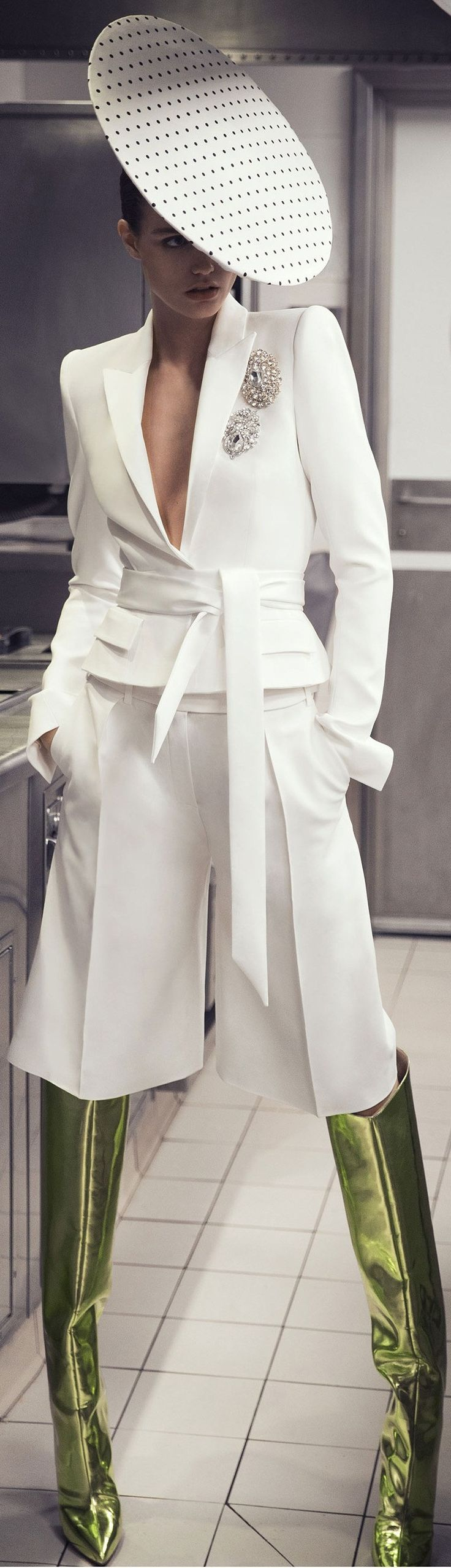 Alexandre Vauthier Spring '18.I love it except the hat and boots  one of my favorite all white looks. The knee length trousers is gorgeous with the suit and belt and the touch of embroidery