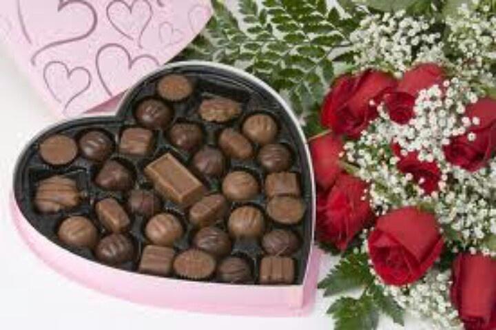 Valentine Flowers and chocolate | Valentines Day ...
