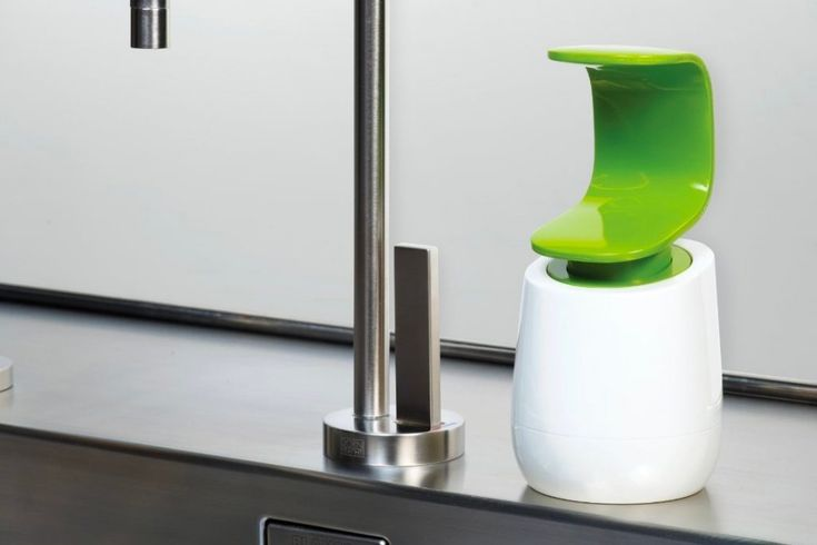 HOME DESIGNING: 32 Unique Soap & Lotion Dispensers http://www.davincilifestyle.com/home-designing-32-unique-soap-lotion-dispensers/      Washing your hands is a tireless task that we perform several times a day, every day. What if your hand-washing time could be made more enjoyable? These thirty-two examples of unusual and exciting soap dispensers add extra pizazz to your washing up time. Meet Hello Kitty in the bathroom, as your kids get cheeky in the bath. Go hands-free i