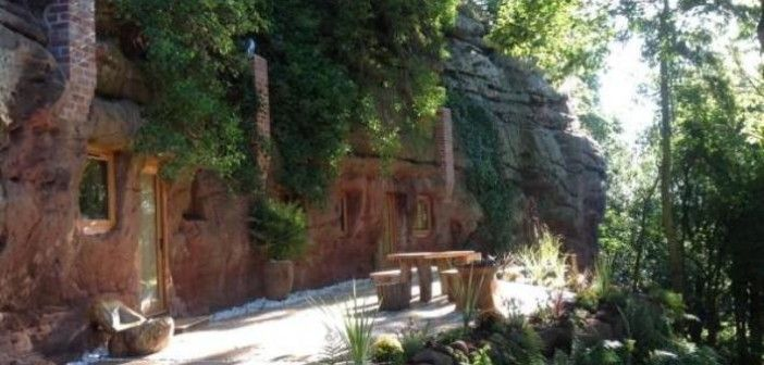 Man Spends 1, 000 Hours and $200, 000 Turning a Cave into His Dream Home
