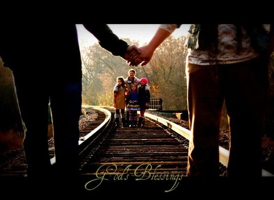 like the railroad idea  family pictures by liliana