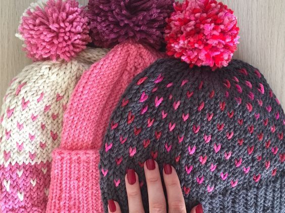 Easy adult knitted hat with tiny hearts - FREE PATTERN