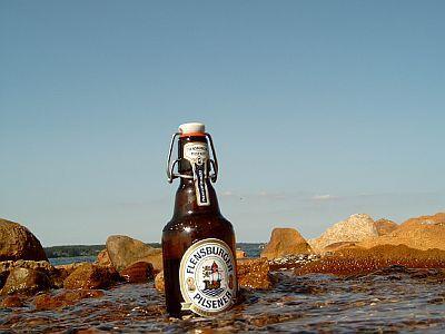 https://flic.kr/p/kJEvZ | Flensburg Pilsner Mineralbad | Ein Bier macht Urlaub A beer on holiday.