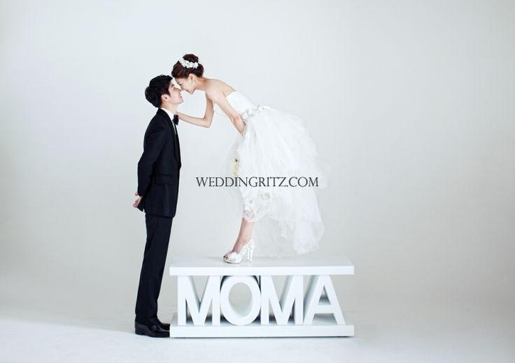 Korea Pre-Wedding Photoshoot - WeddingRitz.com » Let's look at the Piona's new sample 'MOMA'2013 in full version pre-wedding in KOREA.