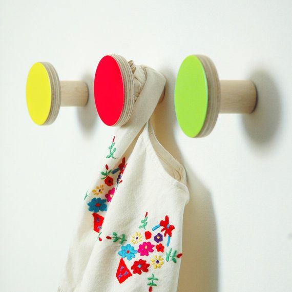 Gift set of 3 wooden wall hooks pink green by chocolatecreative