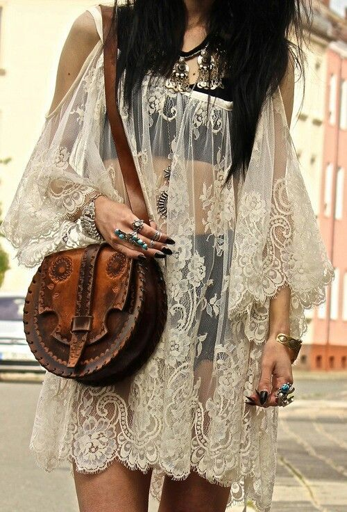 Cool boho-babe look. | Bohemian Style