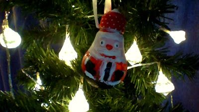 Making Lightbulb Christmas Baubles:  Santa