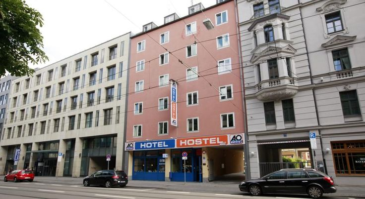 A&O München Hauptbahnhof München This hotel is a 5-minute walk from Munich Main Station. It offers rooms with a private bathroom, a 24-hour reception and free WiFi in all rooms and public areas.  The A&O München Hauptbahnhof has a bar.