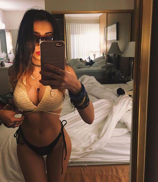 Sakshi Chopra taking a sexy bikini selfie. #Bollywood #Fashion #Style #Beauty #Hot #Sexy