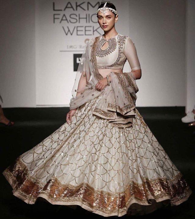 Aditi in Jayanti Reddy for Lakme Fashion Week 2016.