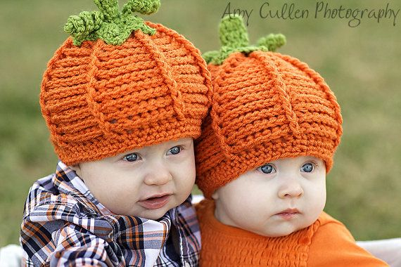 Jojos Bootique says:  This cute Pumpkin Hat has been hand crocheted using a Burnt Orange acrylic blend yarn. Cute green wool stem and curlies are a great touch for a special First Foto Appearance.  **Ideal Newborn Photo Prop or Baby Shower Gift for that new mom**  Each item is hand made on order, so please allow up to 20 business days to produce.