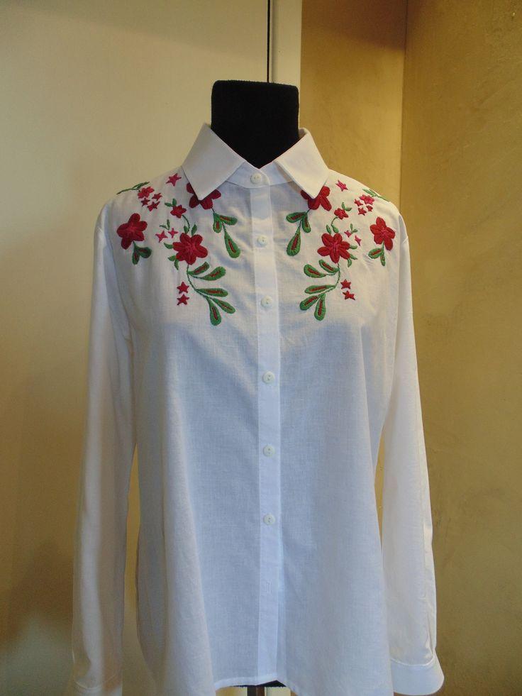 camisa de algodón peruano, bordada a mano